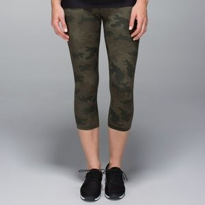 Lululemon | Wunder Under Camo Crop Leggings